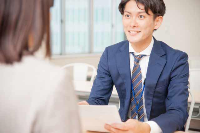 営業 保険 紹介営業で楽に顧客獲得しよう!トップセールスマン7つのコツ!